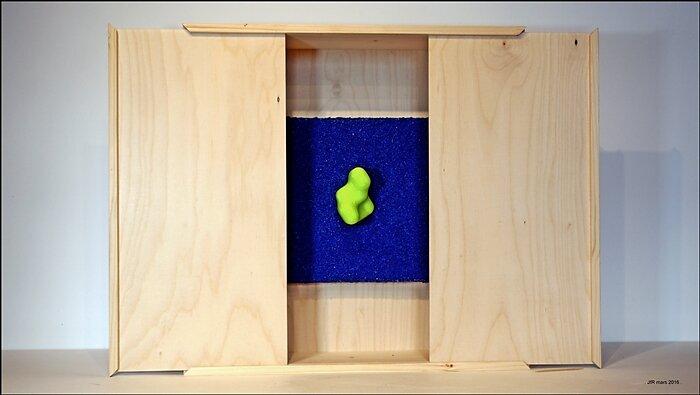 BOX-03-saatchi.JPG